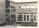 Eingang der Schule